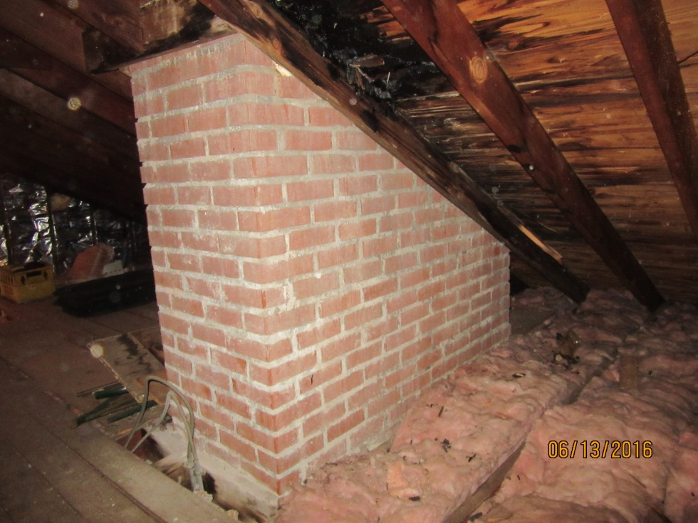 attic view of leakage
