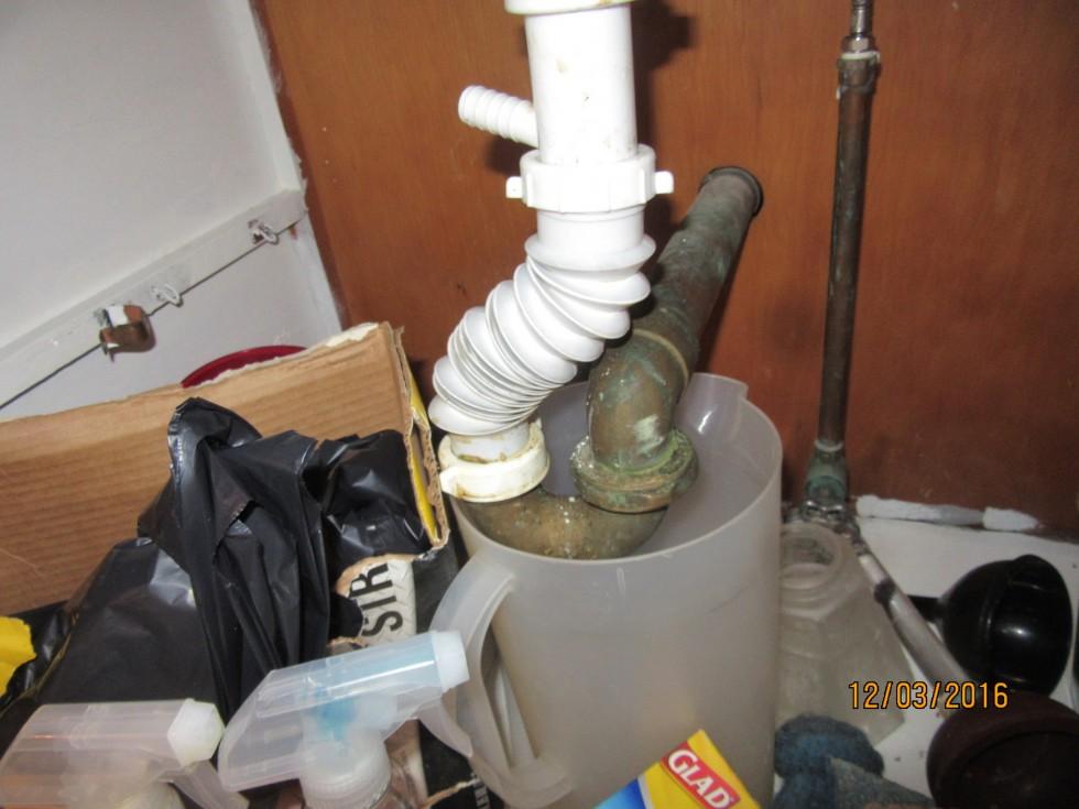 Flexible drain- leaking